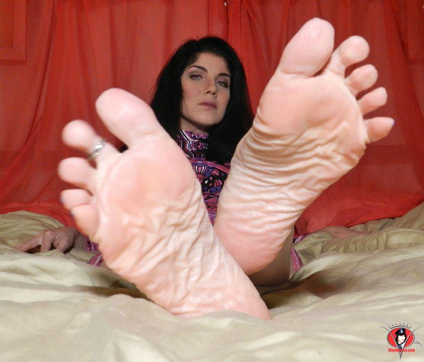 Bondage high heels blog